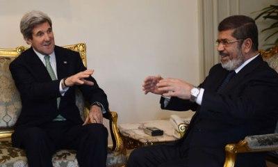 US Secretary of State John Kerry (L) tal