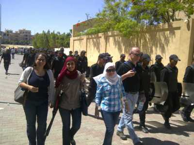 Walking to court with Hafsa Halawa and Rawda Ali.